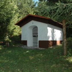 Kapelica sv . Lenarta v Gabrovcah