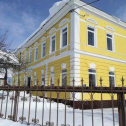 Hiša od strani pozimi