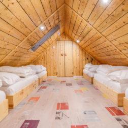 hostel-dormi-desni