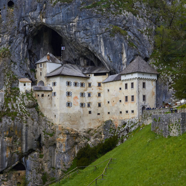 Castello di Predjama