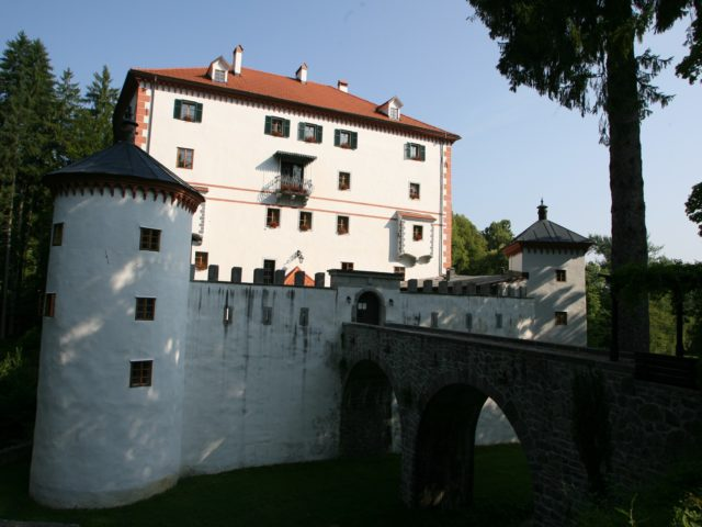Castello di Snežnik