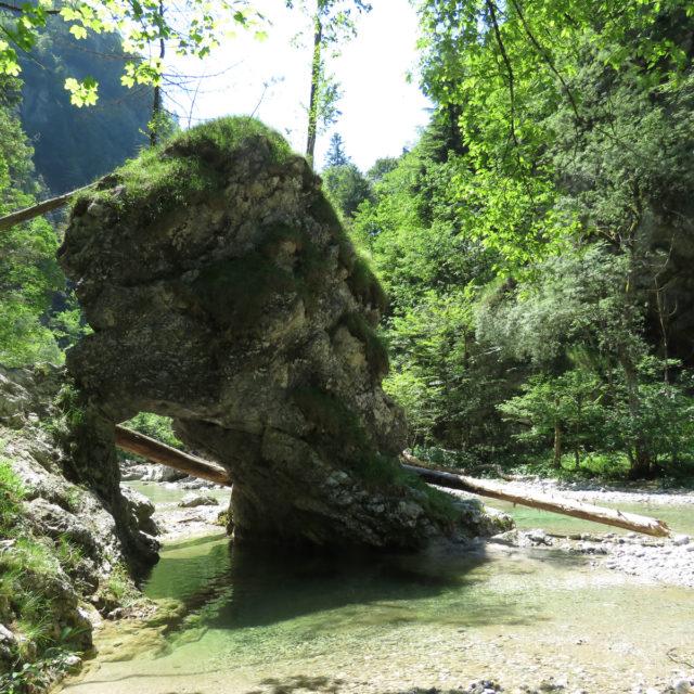 Die Hochebene Vidovska planota und der Fluss Iška