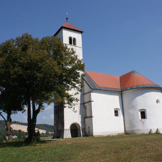 Die Kirche des Hl. Wolfgang in Zelše